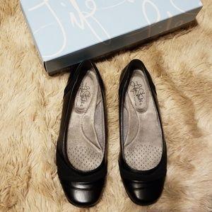 Life Stride dig flat shoes